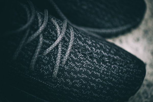 Adidas Yeezy Boost 350 Black par Kanye West (5)