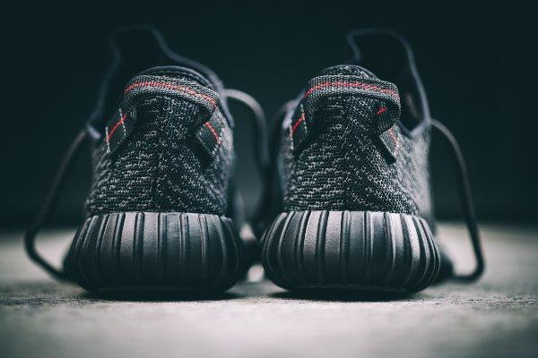 Adidas Yeezy Boost 350 Black par Kanye West (7)