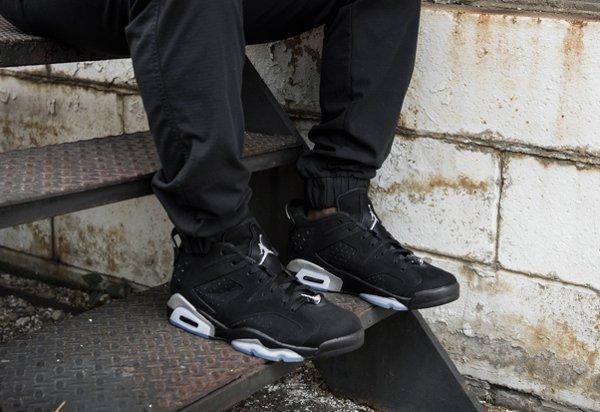 Air Jordan 6 Retro Low Black Metallic Silver aux pieds (1)