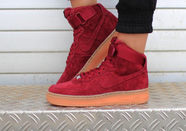Nike Air Force 1 High Suede Team Red Gum | Sneakers actus