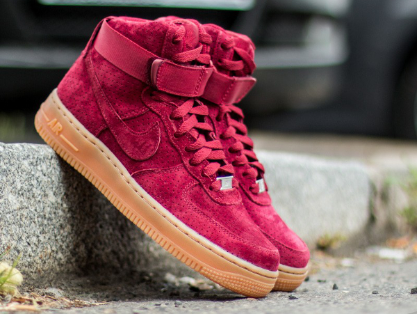 Nike Air Force 1 High Suede Team Red Gum | Nike air force