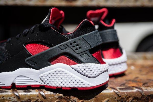 Nike Air Huarache Black University Red  (3)