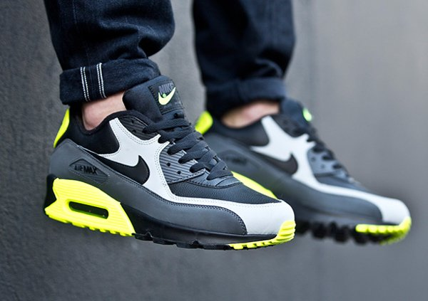 Nike Air Max 90 Leather Neon (1)