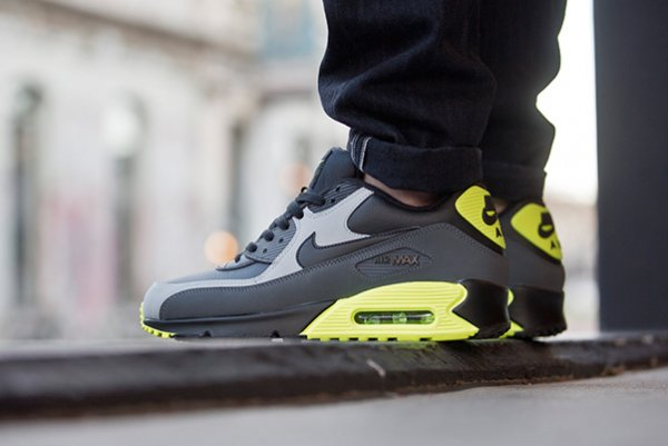 Nike Air Max 90 Leather Neon (2)