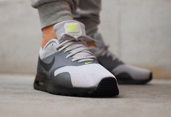 Nike Air Max Tavas Neon (1)