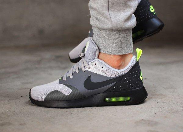 Nike Air Max Tavas Neon (2)