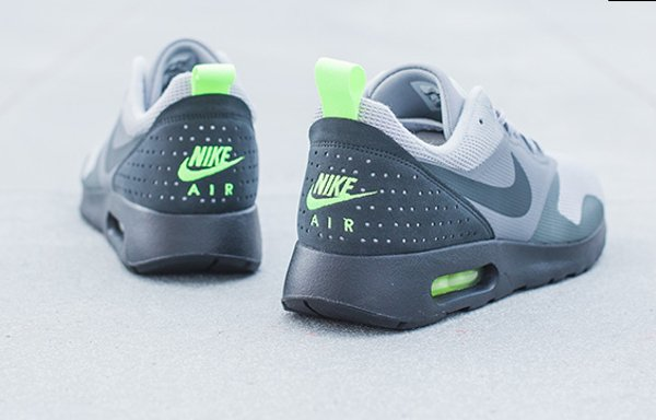 Nike Air Max Tavas Wolf Grey Anthracite (1)