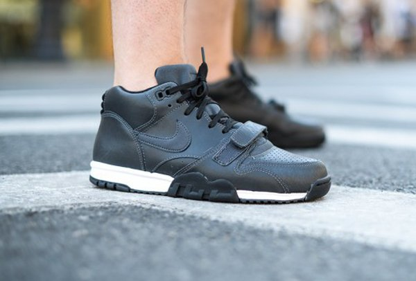 Nike Air Trainer 1 Mid Anthracite Black (1)