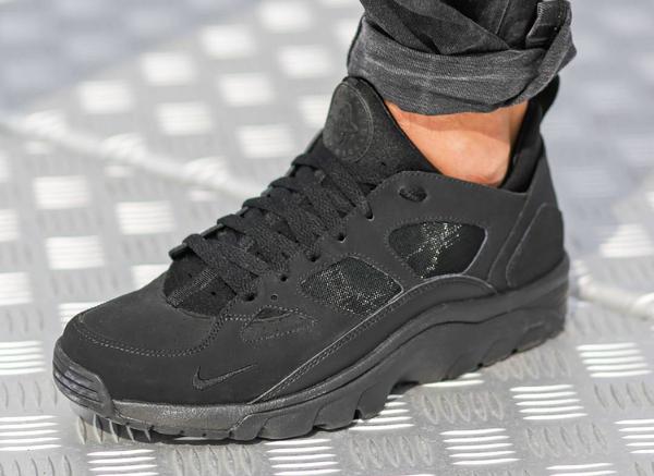 Nike Air Trainer Huarache Low Black Black (10). Photos   Foot Locker EU    Rezet 173b0372a9c8