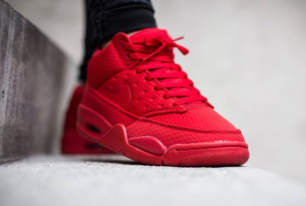 Nike Flight Squad Triple Red (1)
