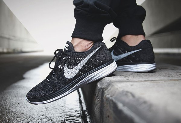 detailed look 6d017 ad33f Nike Flyknit Lunar 3 Oreo Black White (1) ...