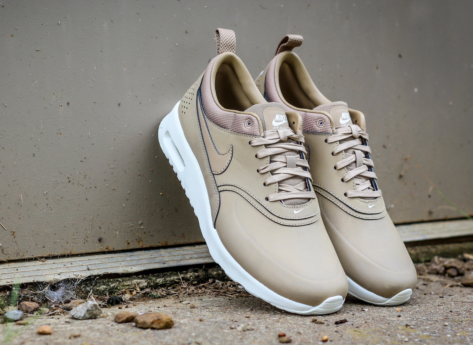 new style 8078a 0bea9 Nike Air Max Thea Desert Camo  Sneakers-actus
