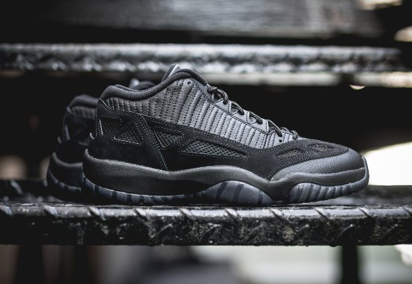 Air Jordan 11 Low IE noire (3)