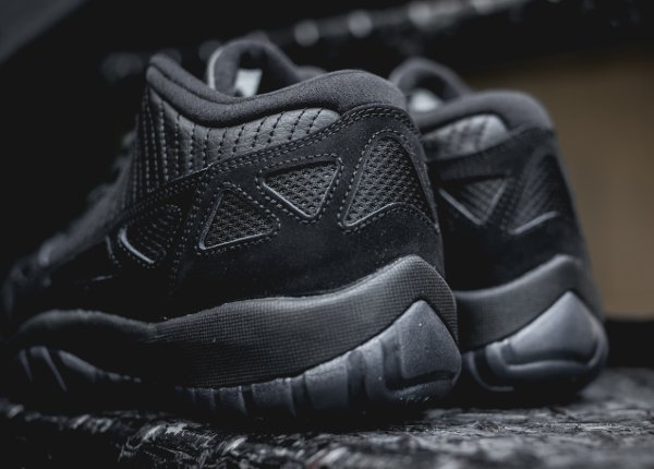 Air Jordan 11 Low IE noire (4)