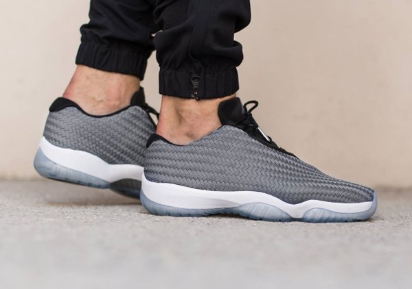 Air Jordan Future Low gris (1)