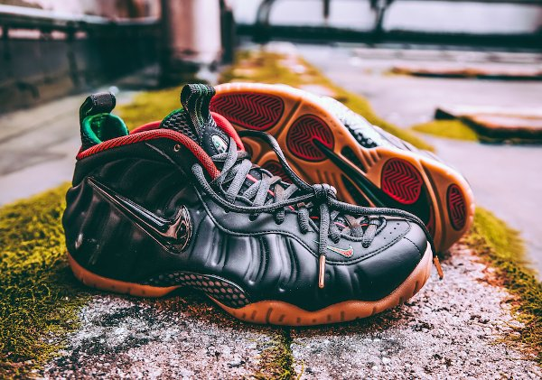 Nike Air Foamposite Pro Black Red Green Metallic Gold (1)