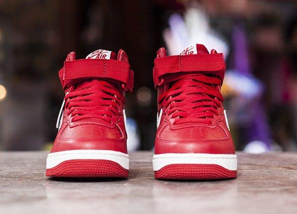 Nike Air Force 1 High Retro QS rouge (5)