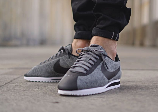 huge discount 16ac9 0a6f3 Les Nike Cortez Classic Tech Fleece Grey  Black sont en vente (100 euros)  sont en vente au Nike Store.fr  voir les paires.
