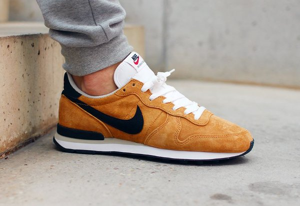 Nike Internationalist Leather Bronze pas cher (1)