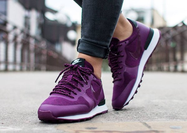 Nike Internationalist Tech Fleece Mulberry (2)