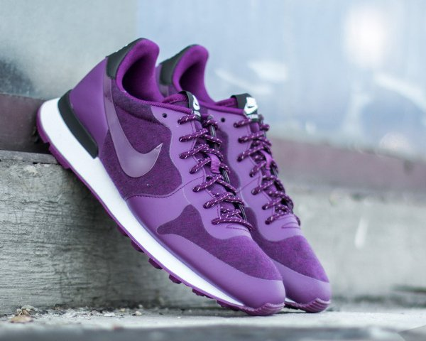 Nike Wmns Internationalist TP Mulberry White Black (1)