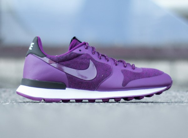 Nike Wmns Internationalist TP Mulberry White Black (4)