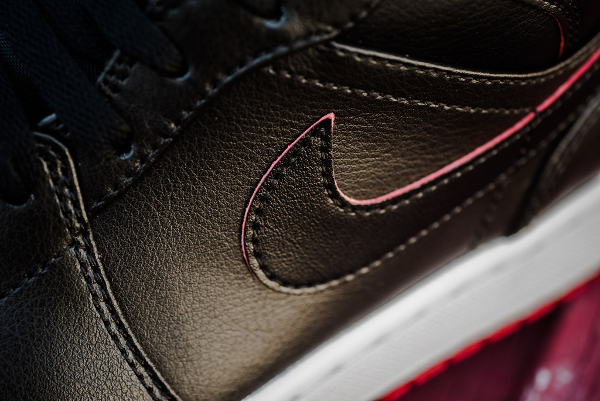 Air Jordan 1 Mid Black Gym Red (4)