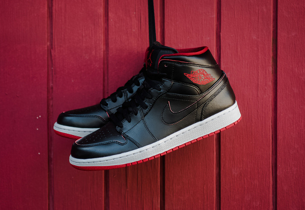 Air Jordan 1 Mid Black Red Lance Mountain (2)