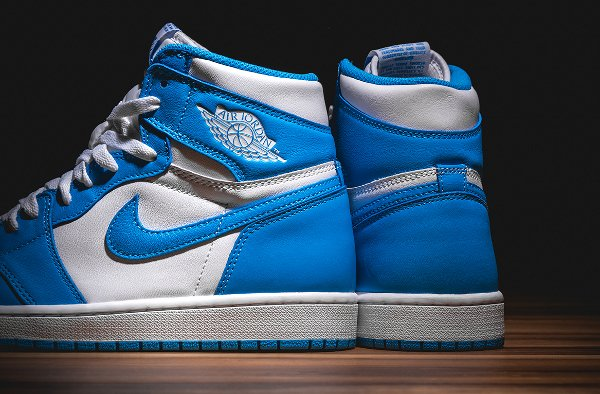 Air Jordan 1 Retro High OG White Dark Powder Blue 2015 (1)
