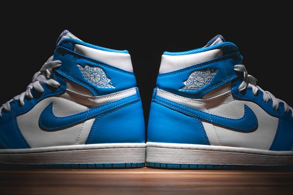 Air Jordan 1 Retro High OG White Dark Powder Blue 2015 (4)