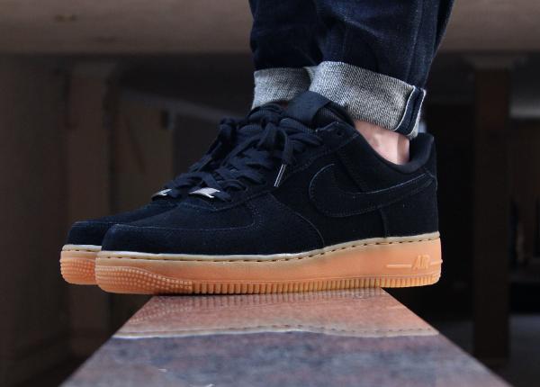 Où acheter la Nike Air Force 1 '07 Low Suede Black Gum ?