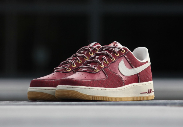 Où acheter la Nike Air Force 1 Low Team Red Gum ?