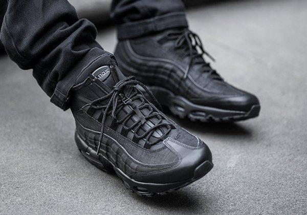 Basket Nike Air Max 95 Mid Sneakerboot Triple Black (noire) (1)