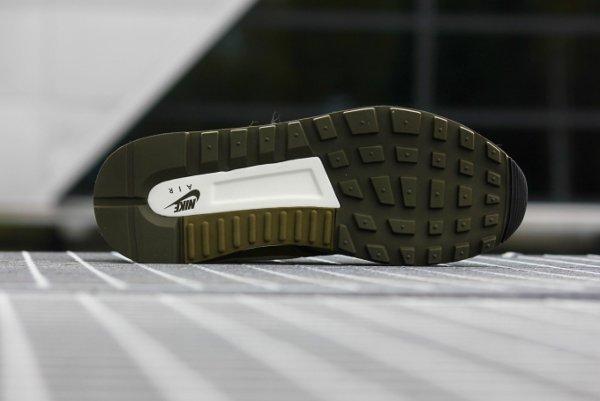 Nike Air Odyssey  Suede vert olive (4)