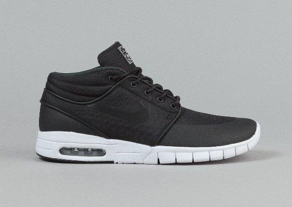 separation shoes 67e55 41ab1 Nike SB Stefan Janoski Max Mid Black White (1)