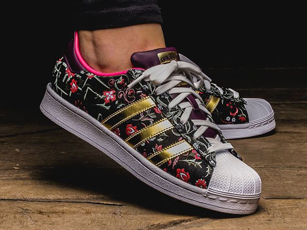 Cheap Adidas Originals SUPERSTAR Rainbow Paint Splatter White Black
