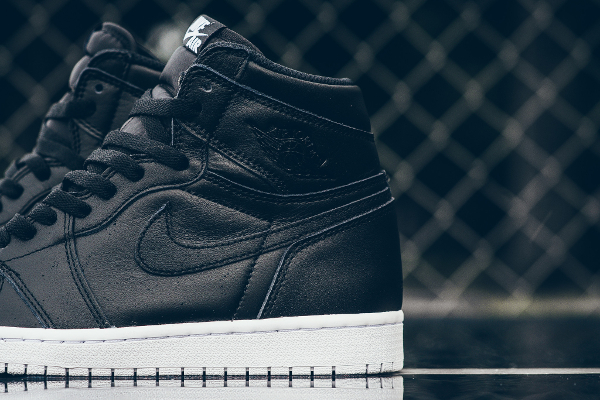 Air Jordan 1 Retro High OG Black Premium Leather (5)