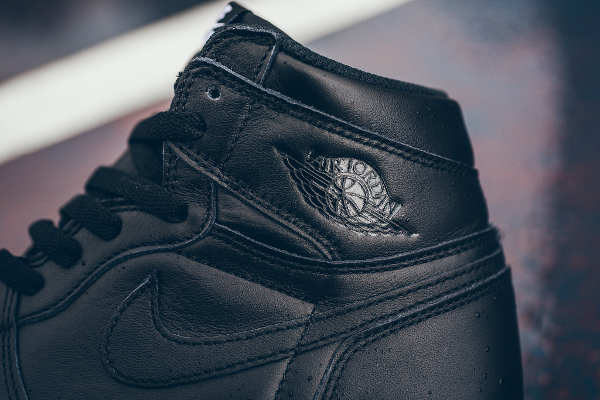 Air Jordan 1 Retro High OG Black Premium Leather (8)