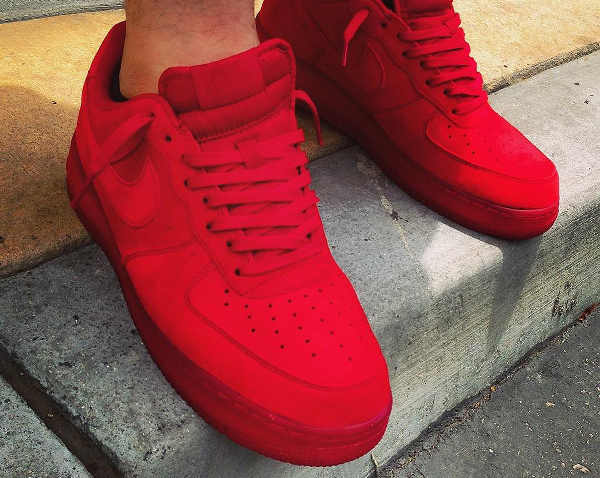 Nike Air Force 1 07 LV8 Team Red Ruby pas cher (couv)