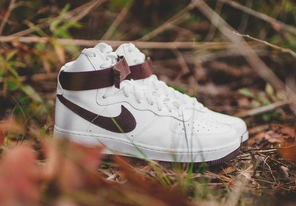 Nike Air Force 1 Hi QS Retro White Summit Chocolate (1)