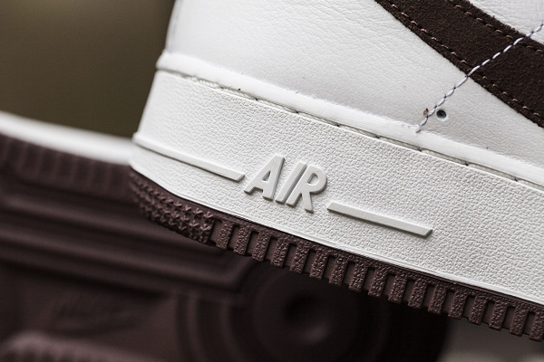 Nike Air Force 1 Hi QS Retro White Summit Chocolate (12)