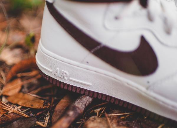 Nike Air Force 1 Hi QS Retro White Summit Chocolate (2)