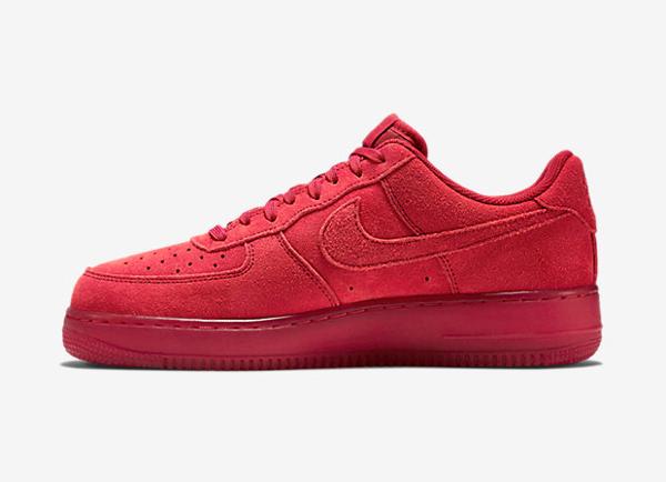 Où acheter la Nike Air Force 1 07 LV8 Team Red Ruby ?