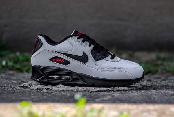 Nike Air Max 90 Essential gris et noir (1)