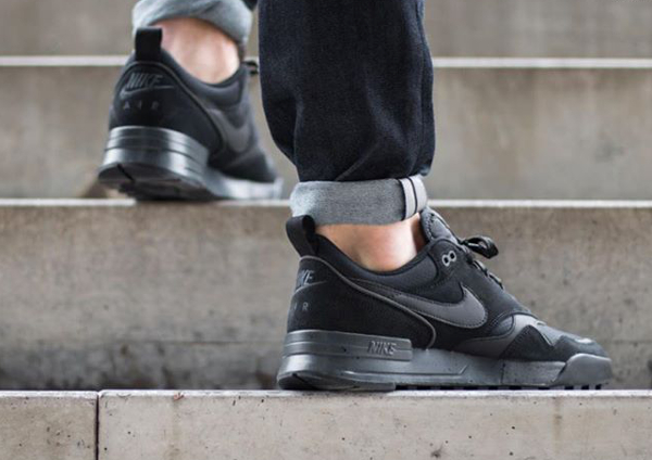 Nike Air Odyssey Envision noire (9-1)