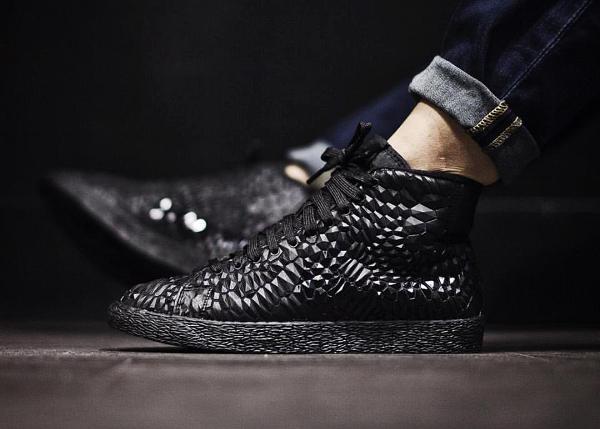 Nike Black DMB Triple Black