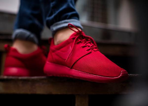 Nike Roshe One Triple Red Ruby