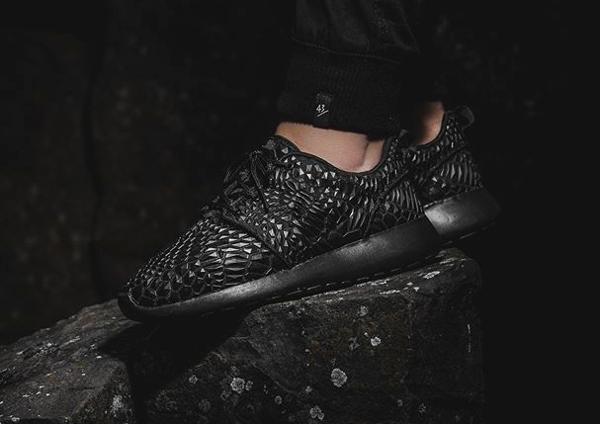 Nike Roshe Run DMB Triple Black (1)