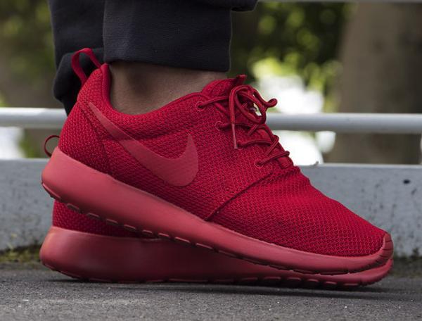 Nike Roshe Run Triple Red (3)