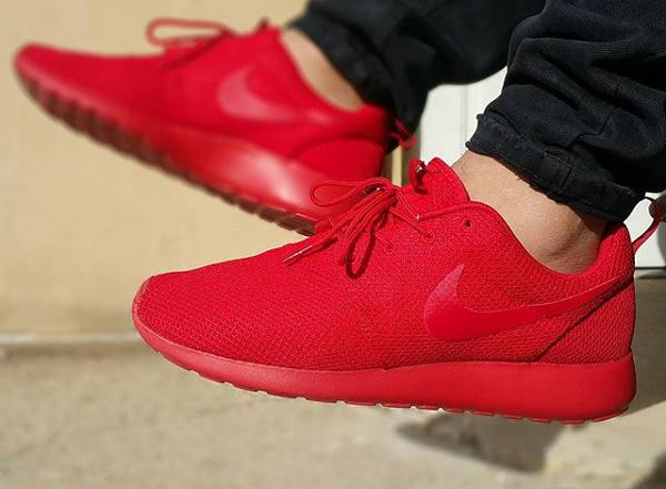 Nike Roshe Run Triple Red (4)
